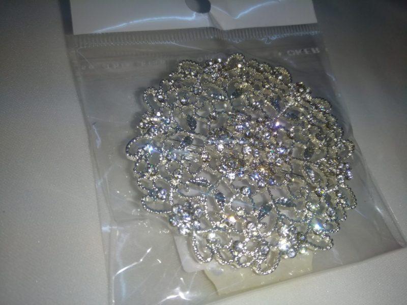 Brosa 5 cm argintie -