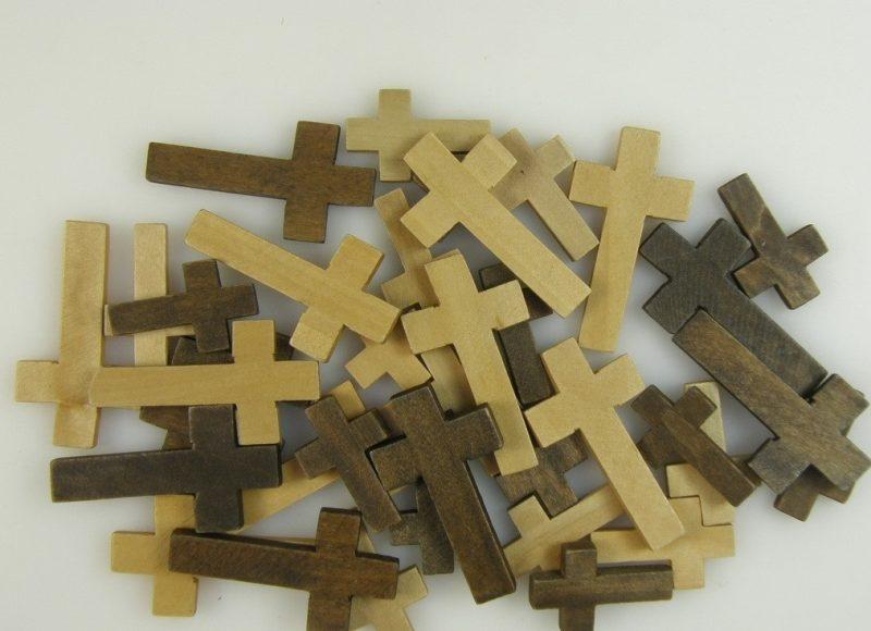 Decoratiuni cruci lemn -