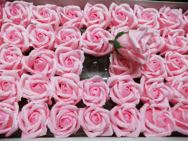Trandafiri de sapun 5cm roz deschis