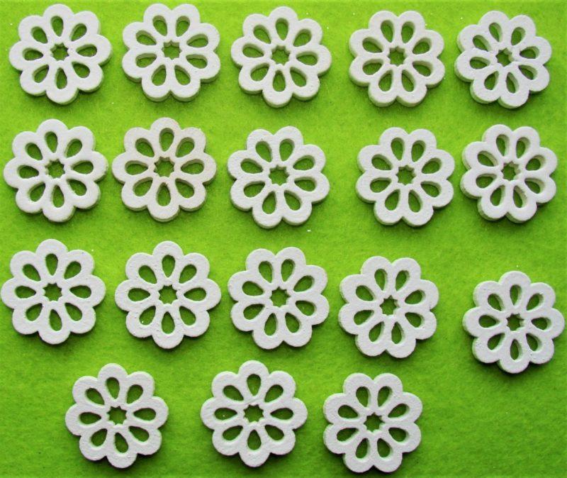 Flori albe din lemn 18 buc