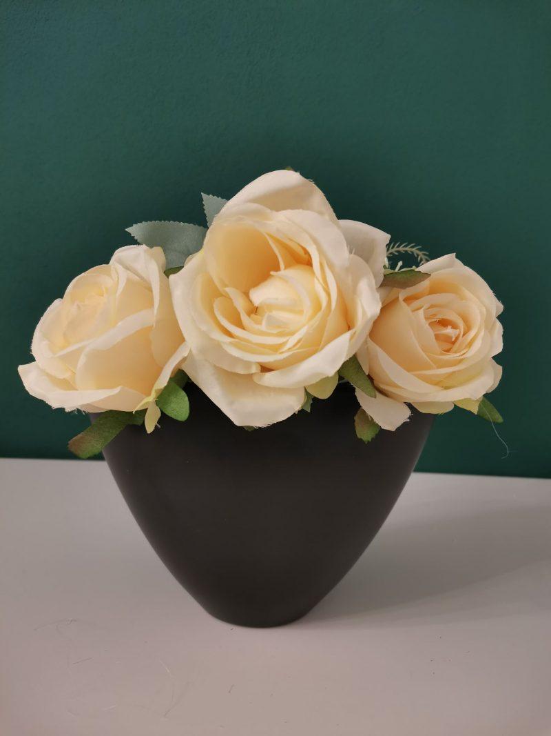Vase ceramice cu forma asimetrica 1