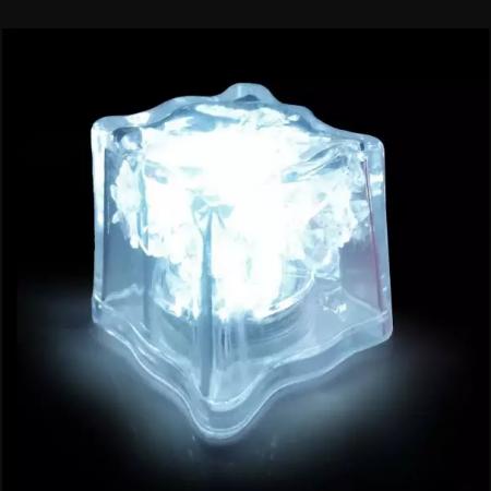Cuburi de gheata 3 x 3 cm