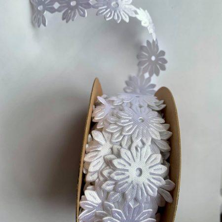 Panglica cu flori din saten 1 buc