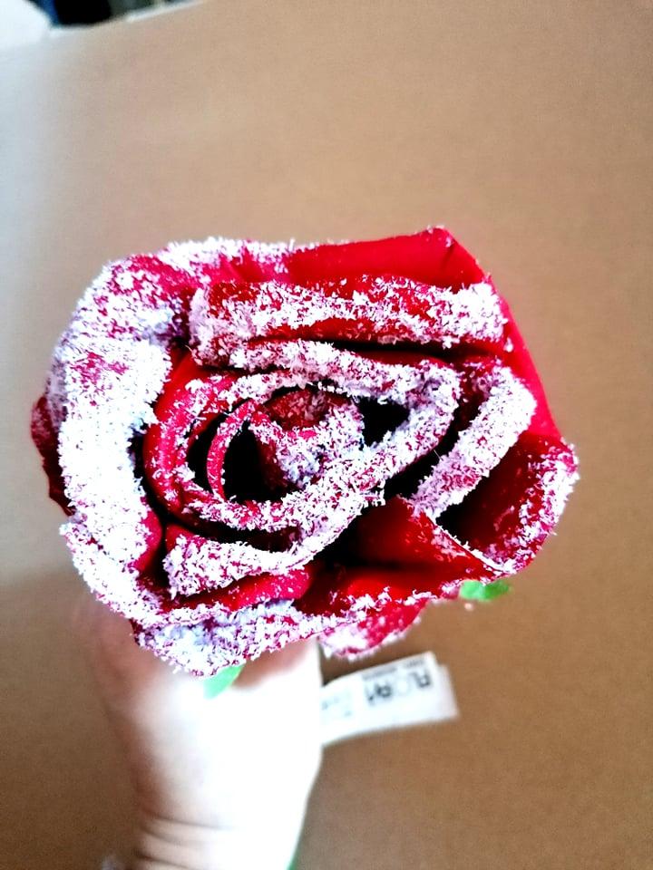 Trandafir cu aspect inzapezit 1 buc -